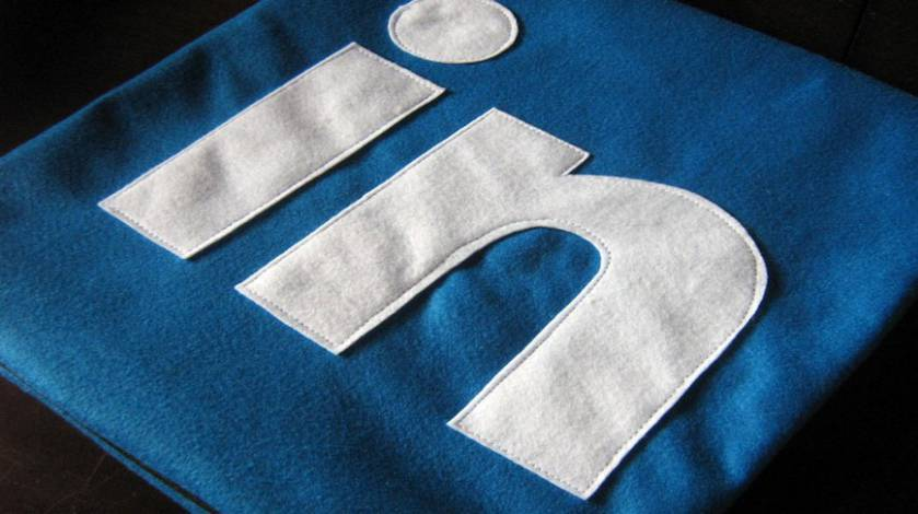 A Quick Guide to Using LinkedIn to Enhance Your UX Career