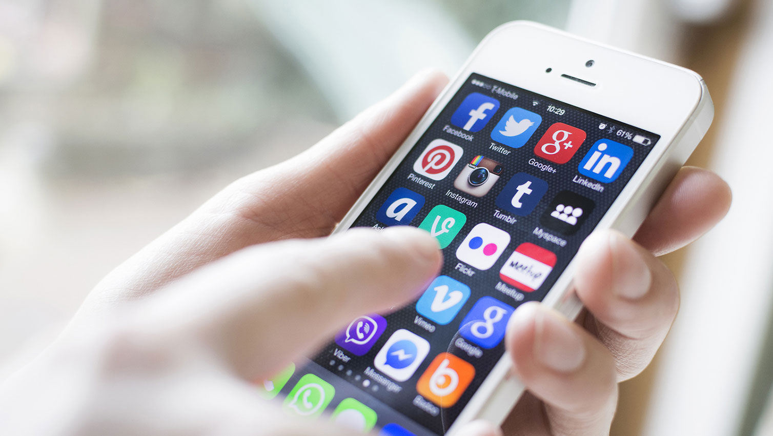 Tell the World About It – Taking Your Mobile Designs Social